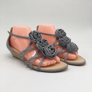 Talbots grey sandals rosettes wedges leather upper